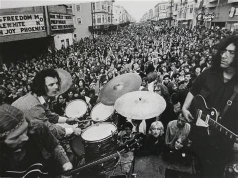 crowd san francisco grayscale drums music bands the